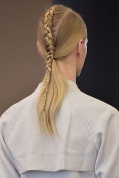 Hair Styles 2018 Braided ponytail Discovred by : Byrdie Beauty Trending Hairstyles, Cool Hairstyles, Hairstyle Ideas, Spring Hairstyles, Hairstyles 2018, African Hairstyles, Runway Hair, Braided Ponytail Hairstyles, Hair