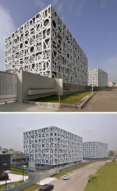 Exterior Design Ideas - 15 Buildings That Have Unique And Creative Facades // Giant letters and numbers transformed the generic exterior of this school and added a unique element of fun to the design of the building. Design Exterior, Exterior House Colors, Facade Design, Wall Exterior, Building Elevation, Building Exterior, Building Facade, Facade Architecture, School Architecture