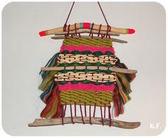 DIY tissage par Kameleon Factory. Métier à tisser DIY en carton ; super idée pour les petites.