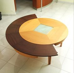 Transformer Furniture: Braun Woodline Expanding Table