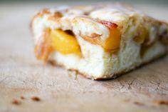 Une-deux senses: Peach Cobbler Bars, Mango Mojitos & A Farewell to Summer