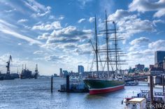 Hamburg/ Altona: Landungsbrücken St. Pauli