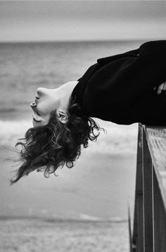 Love this one sooo much^^ Film Photography, Creative Photography, Fashion Photography, White Aesthetic, Aesthetic Photo, Photographie Portrait Inspiration, Lindbergh, Jolie Photo, Black And White Photography