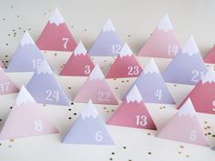 calendrier de l'avent diy 2015 Countdown Calendar, Diy Advent Calendar, Calendar Ideas, Calendrier Diy, Christmas Quilt Patterns, Advent Calenders, A Little Party, Christmas Scrapbook, Create And Craft