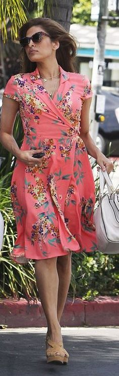 Who made Eva Mendes' pink floral dress? Dress – New York & Co.