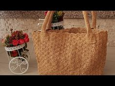 Diy Straw, Straw Bag, Collage Background, Bag Pattern Free, Macrame Tutorial, Simple Bags, Crochet Accessories, Easy Crochet, Purses And Bags