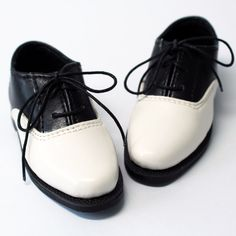 White & Black School Shoes for SD 13 Boy