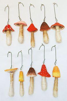 For you Rita: Paper Mache Mushroom Ornaments Mushroom Crafts, Felt Mushroom, Mushroom Art, Clay Crafts, Arts And Crafts, Paper Crafts, Paper Toy, Christmas Crafts, Christmas Ornaments