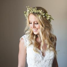 Gorgeous bride marries at 1909 in Topanga Canyon. This bohemian bride looked beautiful on her special wedding day. Hairstyling for this beauty done by the Veil of Grace Team! Boho Wedding Hair Half Up, Boho Wedding Makeup, Boho Makeup, Wedding Makeup Artist, Wedding Hair Flowers, Bridal Makeup, Boho Updo, Bohemian Hairstyles, Bride Hairstyles