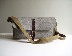 "gray felt & waxed canvas ""traveling tote"" with a leather buckle closure. pockets on the inside made from the canvas to hold things. Leather Buckle, Leather Bag, Flower Shoes, Cute Bags, Bag Making, Wool Felt, Bag Accessories, Purses And Handbags, Crossbody Bag"