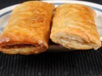 Sausage Rolls Recipe (Australian, New Zealand sausage-stuffed puff pastry) | Australia, New Zealand | Whats4Eats