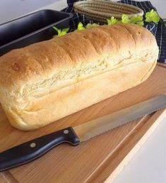 Super softes Kasten-Weißbrot :: Bella-cooks-and-travels Pan blanco en caja super suave :: Bella-cooks-and-travels Bread Machine Recipes, Bread Recipes, Food Cakes, Bread Maker White Bread Recipe, Easy Cake Recipes, Artisan Bread, Pampered Chef, Bread Baking, Sandwiches
