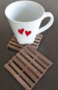 DIY Pallet Coasters | DIY Valentine Gifts for Boyfriend Mini Pallet Coasters, Diy Coasters, Wooden Coasters, Funny Coasters, Craft Stick Crafts, Crafts To Make, Fun Crafts, Craft Sticks, Mini Bases