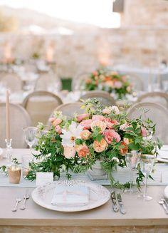New Ideas Wedding Flowers Centerpieces Purple Floral Design Rose Centerpieces, Wedding Table Centerpieces, Wedding Decoration, Neutral Wedding Flowers, Floral Wedding, Bouquet Wedding, Purple Wedding, Wedding Dresses, Flower Studio