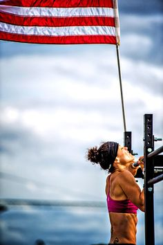 CrossFitGirls - Win a trip to the 2013 CrossFit Games