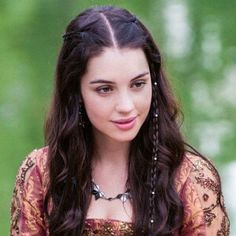 Reign-tv series. Mary, queen of scots