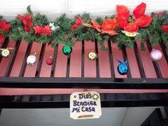 Día 21: En la puerta (On the door). #FMSPhotoADay  Adornos navideños (Christmas ornaments)