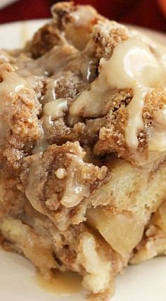 Overnight Caramel Apple French Toast Casserole Can be used as a dessert at Potlucks. What's For Breakfast, Breakfast Items, Breakfast Dishes, Breakfast Recipes, Breakfast Casserole, Overnight Breakfast, Morning Breakfast, Easy Appetizer Recipes, Brunch Recipes