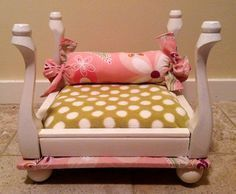 Upcycled Pet Bed Made from a Itty Bitty Stool... Super cute if Daf was still around I would totally make this for her!!