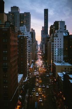 city, new york, and light image Pale Tumblr, Places To Travel, Places To See, Beautiful World, Beautiful Places, Voyage New York, City Vibe, City Aesthetic, To Infinity And Beyond