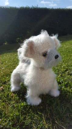 """Shih tzu hundehvalp Testhæklet til dansk af """"nørklerierne"""" på facebook ... Little owls hut opskrift - kan købes her https://www.etsy.com/dk-en/listing/534091052/106dk-shih-tzu-hvalp-amigurumi-hakle"""