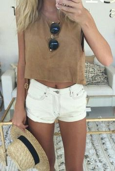 nude top + white shorts + sunglasses