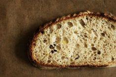 Vinohradský pšeničný kváskový chléb | Maškrtnica Sourdough Bread, Bread Baking, Bread Recipes, Ham, Banana Bread, Homemade, Desserts, Food, Breads
