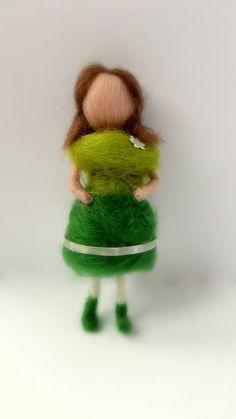 """Zöldike"" tűnemez baba 8 cm (szilvike23) - Meska.hu"