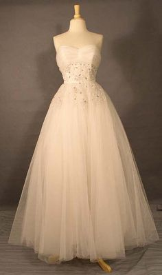 Snowy White Tulle 1950's Ball Gown w/ Subtle Sequins