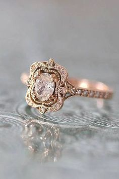 146 Vintage Wedding Jewelry 2017 Trends and Ideas. Classic and beautiful vintage diamond ring Antique Engagement Rings, Diamond Engagement Rings, Wedding Engagement, Solitaire Rings, Oval Rings, Solitaire Diamond, Oval Diamond, Diamond Studs, Non Traditional Engagement Rings Vintage