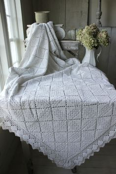 Vintage French crochet bed cover coverlet bedspread lace ~aged grey white LOVELY