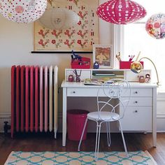 Love the ombre radiator.  I've painted a radiator before, so I know it's possible.