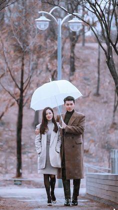 Korean Drama Best, Watch Korean Drama, Korean Drama Quotes, Korean Actresses, Korean Actors, Actors & Actresses, Best Kdrama, Movie Couples, Hyun Bin