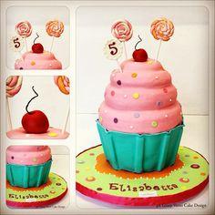Birthday Cupcake Cake!! @Jennifer Richardson-Ayon