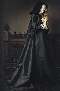 """Renaissance""Vlada Roslyakovaby Pierluigi Macofor Vogue China January 2007"