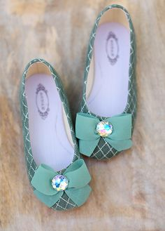 Piper shoe ~ Available in toddler and Girl sizes. ♡ {JoyFolie}