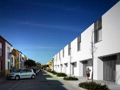 26 bioclimatic social houses in Umbrete (Seville) | buildtonet.com