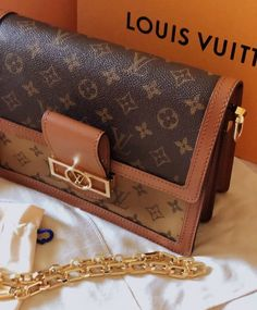 🔝LUXURY photooftheday instagood instadaily lifebox like instalike istanbul moda milano paris luxury luxurybag vip trend fashion shoes new bag accessories watch brand gucci louisvuitton hermes dior celine Luxury Bags, Luxury Handbags, Louis Vuitton Vintage Bags, Packing Light, New Bag, Watch Brands, Beautiful Bags, Calf Leather, Louis Vuitton Monogram