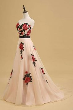 Formal Prom Dresses, Rose Embroidered Floor Length Chiffon A-Line Prom Dress Featuring Sweetheart Bodice and Chapel Train Whether you prefer short prom dresses, long prom gowns, or high-low dresses for prom, find your ideal prom dress for 2020 Backless Prom Dresses, A Line Prom Dresses, Tulle Prom Dress, Evening Dresses, Party Dress, Dresses Dresses, Dresses Online, Tulle Lace, Bridesmaid Dresses