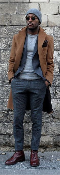 Clean, tailored suit with fitted jumper #modern #menswear