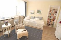 Ferienwohnung Wilhelmine Westerland Set in Westerland, Ferienwohnung Wilhelmine offers self-catering accommodation with free WiFi. The unit is 600 metres from Waterpark Sylter Welle.  A TV is featured.