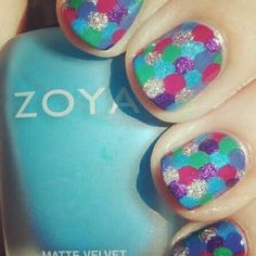 If you're going to nail art... do this! Gorgeous.