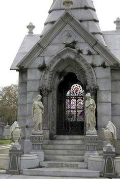 Metairie Cemetery grave