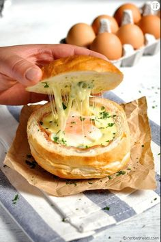No Washing UP Ham, Egg & Cheese Bread Bowls from RecipeTin Eats as part of the Friday Five - Eggs Addition - Feed Your Soul Too Egg Recipes, Brunch Recipes, Breakfast Recipes, Cooking Recipes, Breakfast Ideas, Cheese Recipes, Snacks Recipes, Healthy Recipes, Bread Bowl Recipes