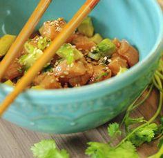 Essa receita de ceviche é uma delícia e a cara do verão. Aprenda a fazer e se delicie! Sashimi, I Love Food, Chinese Food, Avocado, Food And Drink, Cooking Recipes, Beef, Fish, Baking