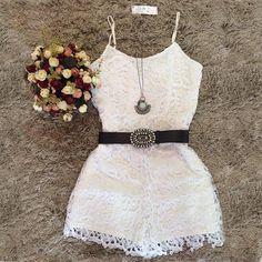 Aliexpress.com: Compre 2015 New Arrival mulheres primavera verão o pescoço sem mangas branco rendas macacões casual de confiança do laço vestido de noiva manga fornecedores em High-end Fashion Women Clothing