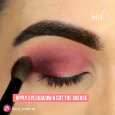 An eye makeup look for every night out!✨ What is Makeup ? What is Makeup ? Generally, what's makeup ? Pink Eye Makeup, Dramatic Eye Makeup, Makeup Eye Looks, Dramatic Eyes, Makeup For Green Eyes, Natural Eye Makeup, Smokey Eye Makeup, Face Makeup, Eyebrow Makeup