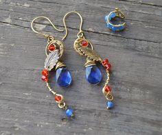 Blue and red antique brass earrigns and ear cuff Mira este artículo en mi tienda de Etsy: https://www.etsy.com/listing/265801927/blue-and-red-antique-brass-earrigns-and