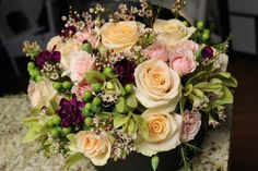 flowers in a box ~ boxed flowers Chicago ~ flowers delivery Chicago ~ luxury flowers Chicago ~ www.flowersbygeo.com