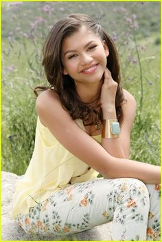 Zendaya in lovely pale yellow...